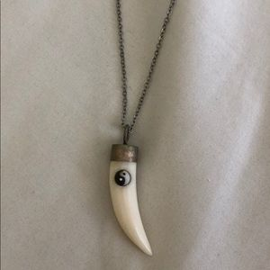 Ying yang horn necklace